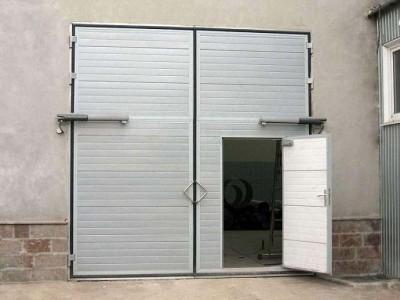 Распашные гаражные ворота ширина 2600 высота 2100