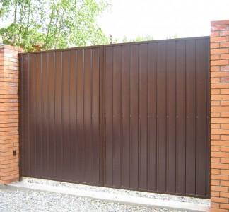 Распашные ворота с заполнением профлист ширина 2000 высота 2000 просвет 100 мм
